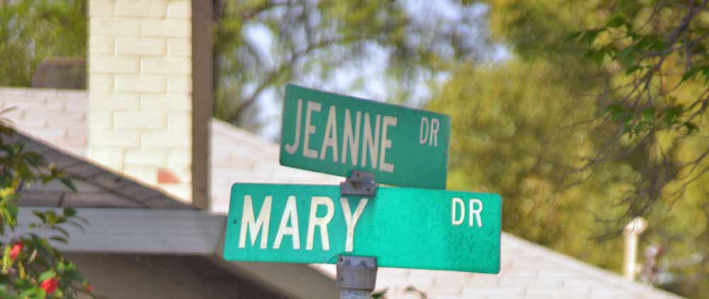 Street signs in the Gregory Gardens neighborhood of Pleasant Hill, CA
