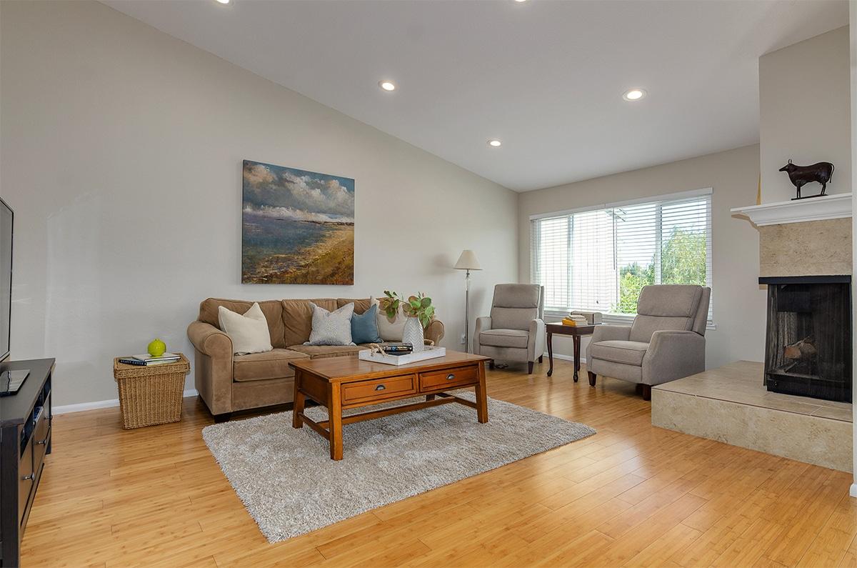 1524 Ashwood Drive | Martinez, CA Living Room
