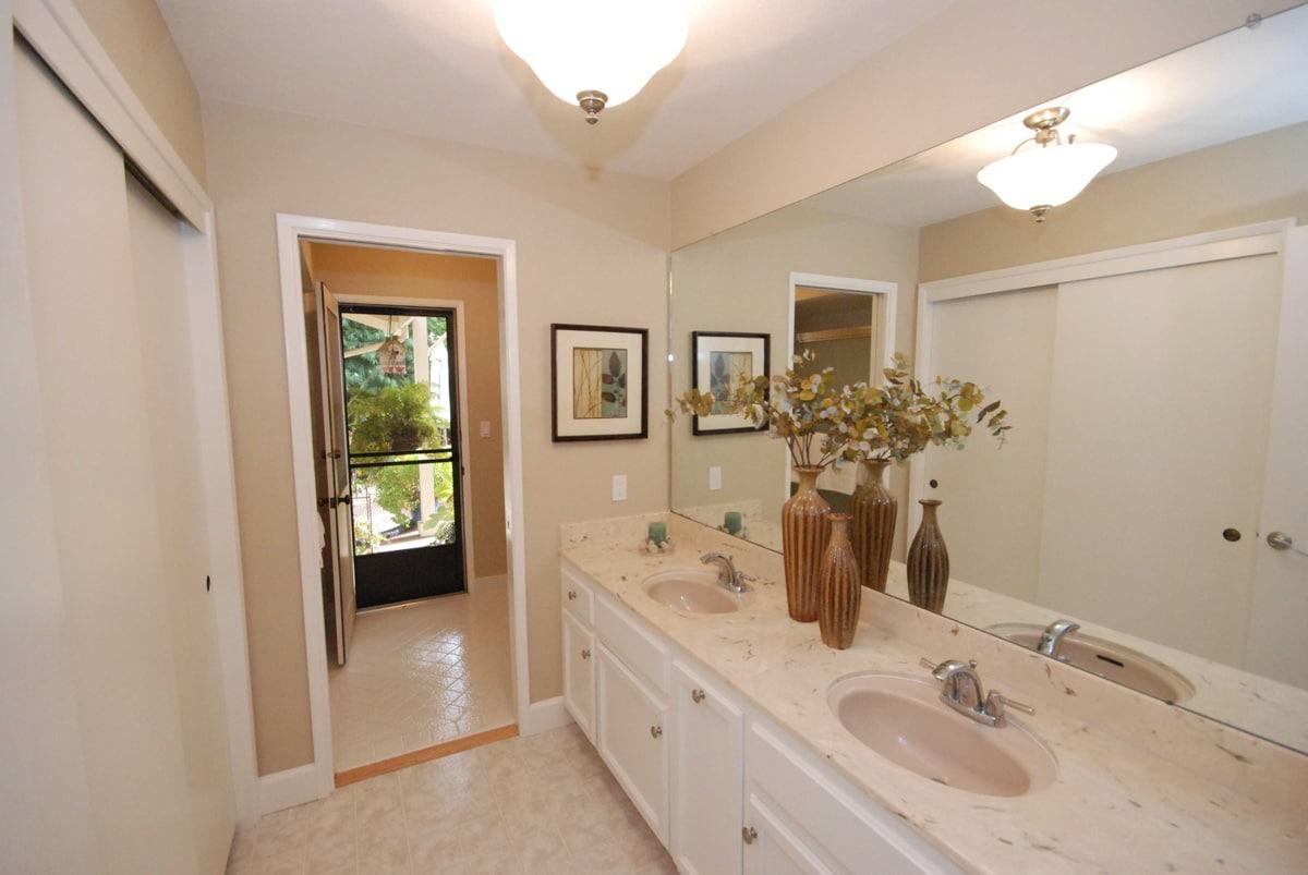 FixItUpAndSell Renovation Bathroom